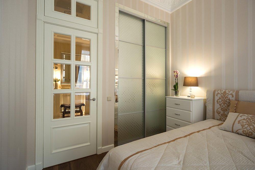 стеклянные двери в интерьере квартиры фото